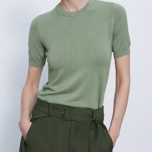 ZARA Short Sleeve Sweater in Moss Green - size L